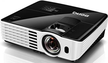 BenQ TH682ST Kurzdistanz 3D DLP-Projektor (3D 144Hz Triple Flash, Full HD 1920x1080 Pixel, Kontrast 10.000:1, 3.000 ANSI Lumen, HDMI, Lautsprecher) schwarz - 3